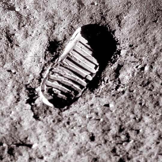 L'orma del primo uomo sulla Luna