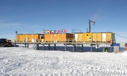 Polvere di stelle nella neve dell'Antartide