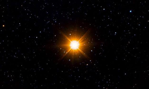Betelgeuse, scoperta la causa del recente calo di luminosità